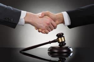 Прекращение уголовного дела примирение сторон Адвокат по уголовным делам адвокат москва